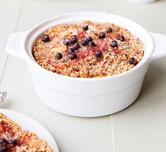 """Healthful breakfast """"cake"""" w/ apples, oats, almond meal (gluten-free, vegan, etc.)"""
