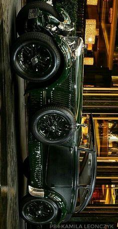Automobile, Vw Vintage, Blue Train, Old Classic Cars, Best Luxury Cars, Car Wheels, Retro Cars, Inline, Amazing Cars