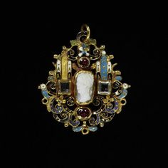 17th century Hungarian Pendant at the Victoria and Albert Museum, London