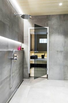Sauna Shower, Ensuite Bathrooms, Dream Decor, Bathroom Interior Design, Bathroom Inspiration, Bathtub, House Design, Saunas, Home Decor