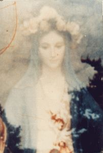 The Virgin Mary . Extrodinary photo of the Virgin Mary that miraculously appeared on the film of a camera owned by a priest who was taking a picture of the interior of a church. Religious Pictures, Religious Icons, Religious Art, Catholic Religion, Catholic Art, Roman Catholic, Blessed Mother Mary, Blessed Virgin Mary, Divine Mother