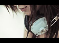 headphone girls: Photo