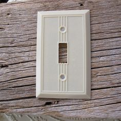 LEVITON ONE GANG TOGGLE SWITCH WALL PLATE COVER BAKELITE RIBBED BROWN VTG NOS