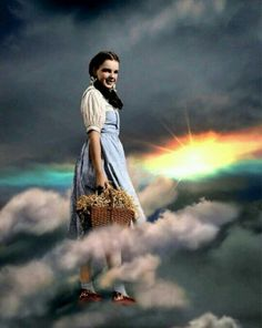 """regram Judy Garland for """"The Wizard of Oz"""" (Dir. Synopsis (IMDb): Dorothy Gale is swept away to a magical land in a tornado and embarks on a quest to see the Wizard who can help her return home. Wizard Of Oz Movie, Wizard Of Oz 1939, Judy Garland, Yorkshire Rose, Dorothy Gale, Land Of Oz, Broadway, Somewhere Over, Rose Photos"""