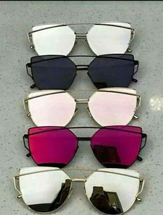 20 Trendy Sunglasses Styles In Summer 2017 Different people have different reasons to wear sunglasses. Some people might just wanna be trendy or to match their clothes or hair style etc. Some poeple choose to wear sungalsses to hide something. Ray Ban Sunglasses, Mirrored Sunglasses, Sunglasses Women, Summer Sunglasses, Sunglasses Online, Sunglasses Outlet, Nice Sunglasses, Lunette Style, Jewelry Accessories