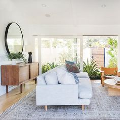 Simple Foliage Living Room Ideas For Summer That Make Coolest House (6)