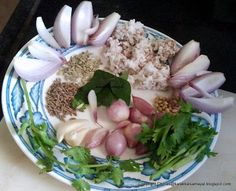 kalakkalsamayal: Ingredients for masala of katharikkai masala curry. Can add plenty of curry and coriander leaves. Masala Curry, Vegetable Curry, Coriander Leaves, Vegetarian Recipes, Coconut, Tasty, Indian, Canning, Vegetables