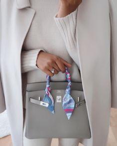 Hermes Birkin 25 Bolso Birkin Hermes, Birkin 25, Hermes Bags, Hermes Handbags, Look Fashion, Fashion Bags, Fashion Details, Sac Hermes Kelly, Fake Designer Bags