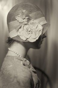 1920's cloche #celebstylewed #wedding #bridal #nuptials #matrimony