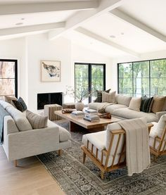 Family room design – Home Decor Interior Designs Home Living Room, Interior Design Living Room, Living Room Designs, Living Room Decor, Living Spaces, Small Living, Lounge Room Designs, Casual Coastal Living Room, Open Living Rooms