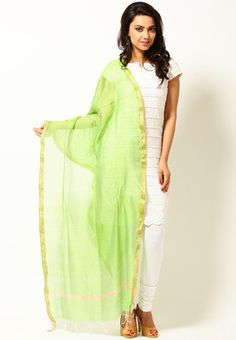 A green coloured dupatta for women from Aurelia. It is made from cotton. Give a twist to all your traditional outfits wearing this green coloured dupatta from the latest collection of Aurelia. Featuring a striking pattern, it is sure to add grace to your personality.