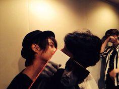 Kakihara Tetsuya & Tsuda Kenjiro (kissing) & Eguchi Takuya (back) #seiyuu #voiceactor
