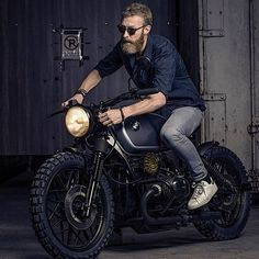 """BMW Moto : Illustration Description 10.7k Likes, 56 Comments – Cafe Racers 