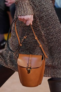 Salvatore Ferragamo Fall 2020 Ready-to-Wear Fashion Show Details: See detail photos for Salvatore Ferragamo Fall 2020 Ready-to-Wear collection. Look 12 Salvatore Ferragamo, Fashion Brand, Fashion Show, Womens Fashion, Milan Fashion, Fall Fashion, High Fashion, Vogue Paris, Day Bag