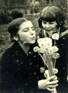 Józef Jan Głogowski - Dmuchawce (Zofia i Krystyna), lata 20