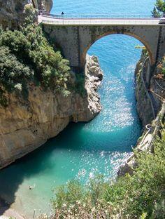 Fiordo di Furore, Amalfi Coast https://maps.google.se/maps?q=Fiordo+di+Furore=sv=40.613952,14.554138=0.535836,1.209869=40.75558,14.040527=4.277334,9.678955=Fiordo+di+Furore=m=10