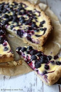Blueberry tart with crème fraîche font- Blaubeer-Tarte mit Crème fraîche-Guss Experiments from my kitchen: blueberry tart with crème fraîche-cast - Tart Recipes, Baking Recipes, Sweet Recipes, Dessert Recipes, Butter Tarts, Blueberry Recipes, Sweet Cakes, Yummy Cakes, No Bake Cake