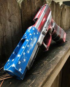 American Flag themed Glock with Cerakote Military Weapons, Weapons Guns, Guns And Ammo, Airsoft, Arsenal, Gun Art, Custom Guns, Cool Guns, Fantasy Weapons