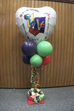 www.juneausbestballoons.com Love and Bows designed by Balloons by Night Moods in Juneau, Alaska 907-523-1099