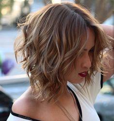 Chic Medium Bob Haircut for Women, Shoulder Length Bob Hairstyle Designs