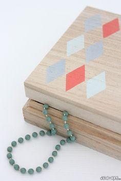 painted wooden box complete tutorial on dekotopia.net