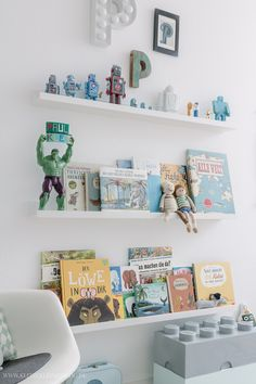 Walk in! A children's room update - desk, decoration & Co Boys Room Decor, Kids Decor, Boy Room, Kids Bedroom, Nursery Room, Nursery Bookshelf, Kids Room Design, Kid Spaces, Safari Nursery