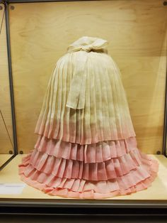 Korean Traditional, Traditional Fashion, Traditional Outfits, Turandot Opera, Fashion History, Tulle, Skirts, Clothes, Kleding