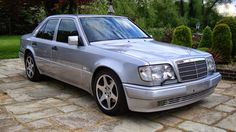 BENZTUNING: Mercedes-Benz E500 W124 Silver