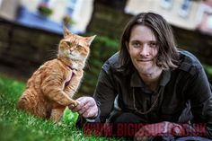 Buy James Bowen and Street Cat Bob prints | The Big Issue Foundation