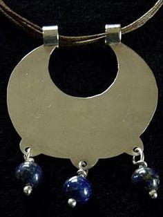 Native and mestizo craft: Line Resplandor-Temporada 2011/2012 Copper Wire Art, Jewelery, Jewelry Necklaces, Silver Jewelry, Vintage Jewelry, Metal Clay, Ethnic Jewelry, Antique Silver, Jewelry Design