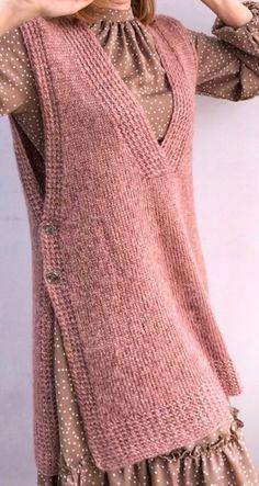 Crochet Cardigan Pattern, Crochet Jacket, Crochet Blouse, Knitted Poncho, Chunky Knitting Patterns, Knitting Designs, Knitwear Fashion, Knit Fashion, Jacket Pattern