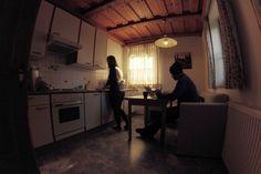 Localização, espaço adequado de trabalho, internet de qualidade e cozinha são importantes ao escolher hospedagem. Aqui, dica na Áustria