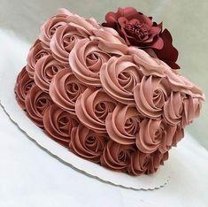 Frühlingskuchen 2019 – Kuchen D & # Lulu – Pasteles – - Cupcake Pink Ideen Birthday Cake Roses, Pretty Birthday Cakes, Pretty Cakes, Cute Cakes, Beautiful Cakes, Amazing Cakes, Cake Decorating Designs, Cake Decorating Techniques, Cake Designs