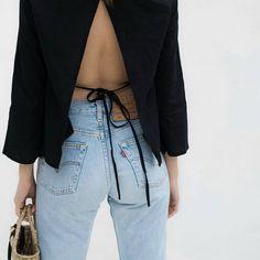 Hi back .. Meika Top available via link in bio. #styleaddict