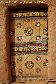 Door in Oshayqer, Riyadh, Saudi Arabia ©Hassan J Mashi Cool Doors, Unique Doors, Riyadh, Entrance Doors, Doorway, When One Door Closes, Knobs And Knockers, Door Gate, Painted Doors