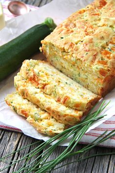 Zucchini, Cheddar Cheese & Chive Buttermilk Quick Bread - A Pretty Life In The S.Zucchini, Cheddar Cheese & Chive Buttermilk Quick Bread - A Pretty Life In The Suburbs Cooking Recipes, Healthy Recipes, Bread Recipes, Healthy Nutrition, Drink Recipes, Healthy Eating, Keto Recipes, Finger Foods, Appetizers