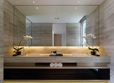 Decor elegant 85 Easy and Elegant Bathroom Mirrors Design Ideas 85 Einfache und elegante Badezimmerspiegel Design-Ideen # Badezimmerspiegel Bathroom Mirror Design, Diy Bathroom Decor, Bathroom Interior Design, Bathroom Mirrors, Bathroom Designs, Bathroom Flooring, Bathroom Furniture, Interior Ideas, Bathroom Lighting