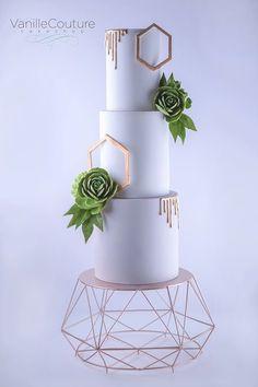 Desert Chic geometric wedding cake with succulents Black Wedding Cakes, Beautiful Wedding Cakes, Gorgeous Cakes, Geometric Cake, Geometric Wedding, Fresh Flower Cake, Wedding Cake Inspiration, Wedding Ideas, Wedding Cake Designs