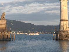 Ein Abstecher nach Lindau am Bodensee, der Jag F darf leider nicht mit in die Fussgängerzone. Jaguar, New York Skyline, Travel, Automobile, Viajes, Destinations, Traveling, Trips