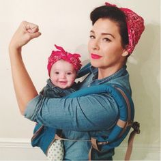 Rosie the Baby Riveter | Such a great idea for a #babywearing #halloween #costume | Photo: Kelly Jensen on Instagram (Decoracion Halloween 2017)