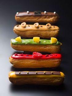 Eclairs, Cute Desserts, Dessert Recipes, Puff And Pie, Eclair Recipe, Petit Cake, Cookie Cake Pie, Choux Pastry, Food Advertising