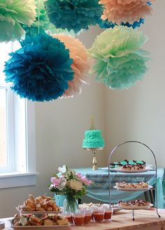 great color scheme for a party :)