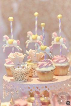 Cupcakes - Tematica Carrousel - Calesita - Bautismo Cumple Nena