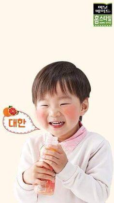 รอยยิ้มแบบนี้ ใครเห็นก็คงฝันดีละเน๊าะ ยิ้มเป็นลูกแมวน้อยเชียว