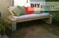 26 Breathtaking DIY Vintage Decor Ideas - DIY garden bench in less than hour Diy Outdoor Furniture, Furniture Projects, Diy Furniture, Outdoor Decor, Outdoor Seating, Diy Projects, Furniture Design, Backyard Furniture, Outdoor Cushions