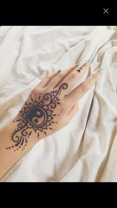 Image via We Heart It https://weheartit.com/entry/142019466 #bad #good #henna #hipster #mehndi #patterns #tattoo #yang #yin
