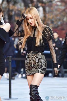BLACKPINK - Rosé #로제 (Park ChaeYoung 박채영) aka Roséanne Park 로잔느 박 at Asian Artist Awards 161117 #블랙핑크 미모'(AAA 시상식)