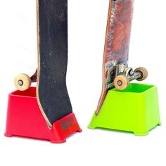 Freestanding, portable skateboard rack to store your skateboard vertically and keep your walls clean.