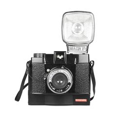 The Diana F+ Instant Camera lets you create dreamy images in a snap. This camera package also comes with a close-up lens, ideal for portraits! Instax Mini Film, Fuji Instax Mini, Fujifilm Instax Mini, Diana, Lomography Instant, Film Black, Lomo Camera, Gifts For Techies, Techie Gifts