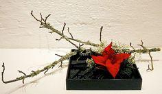 Cool ikebana arrangement for Xmas